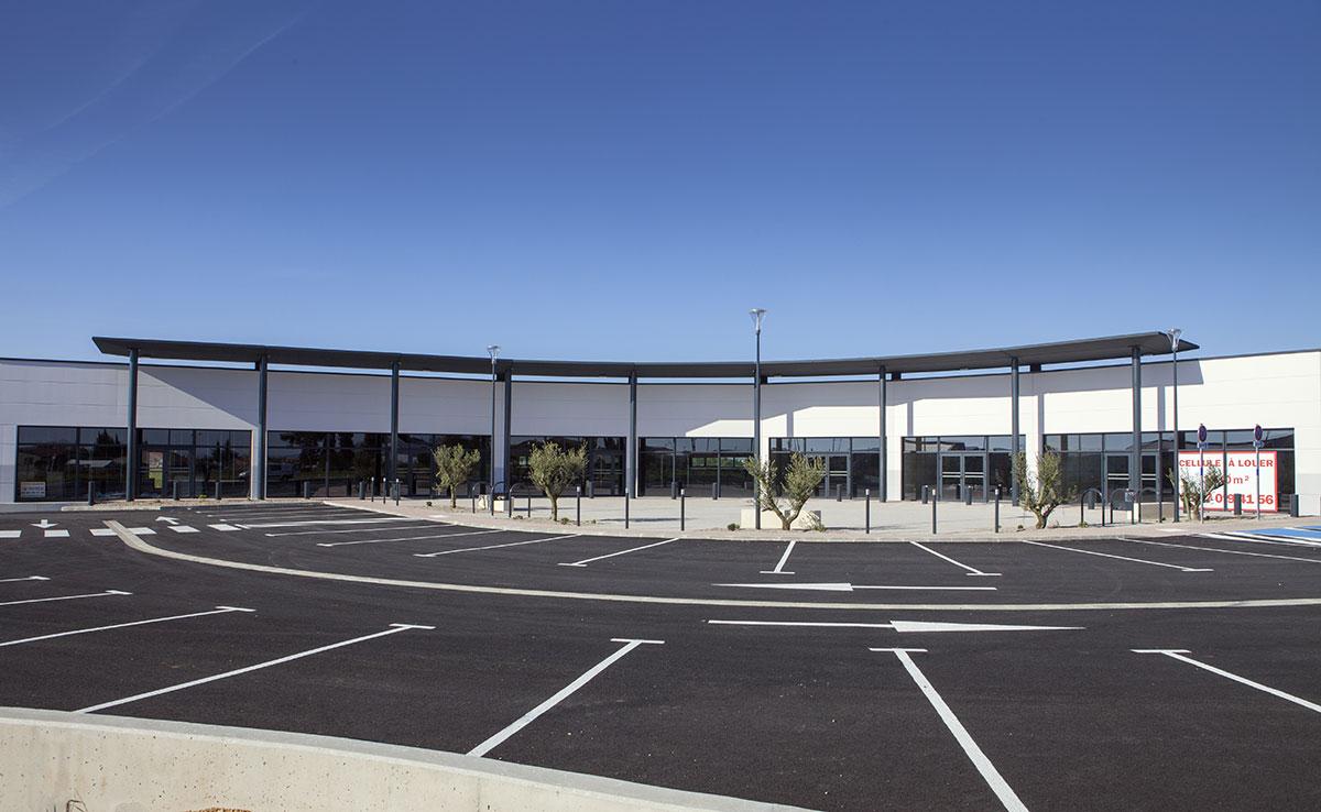CELLULES COMMERCIALES - Bâtiment industriel, charpente métallique
