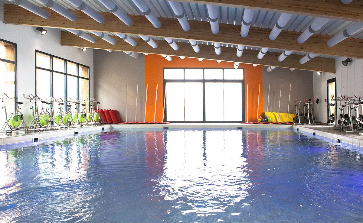 Aquagym, piscine intérieur