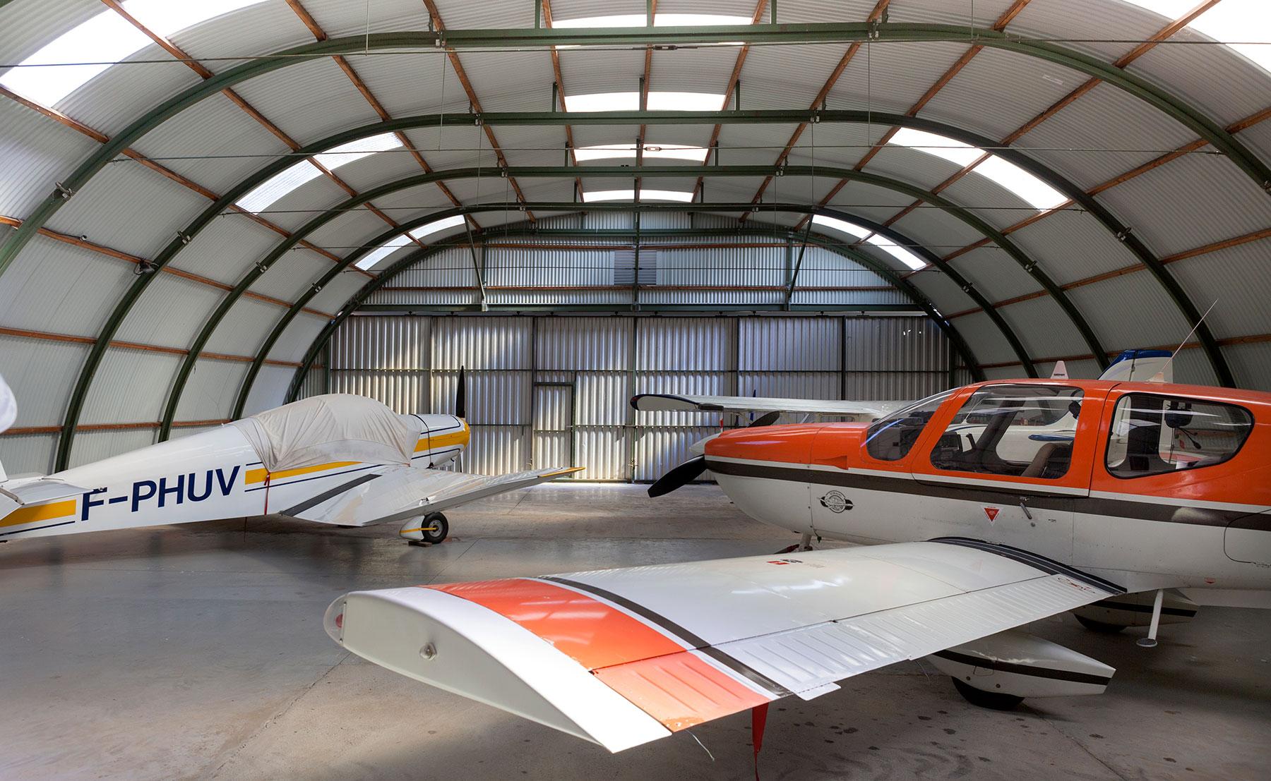 I JET, hangar pour avion - Bâtiment industriel