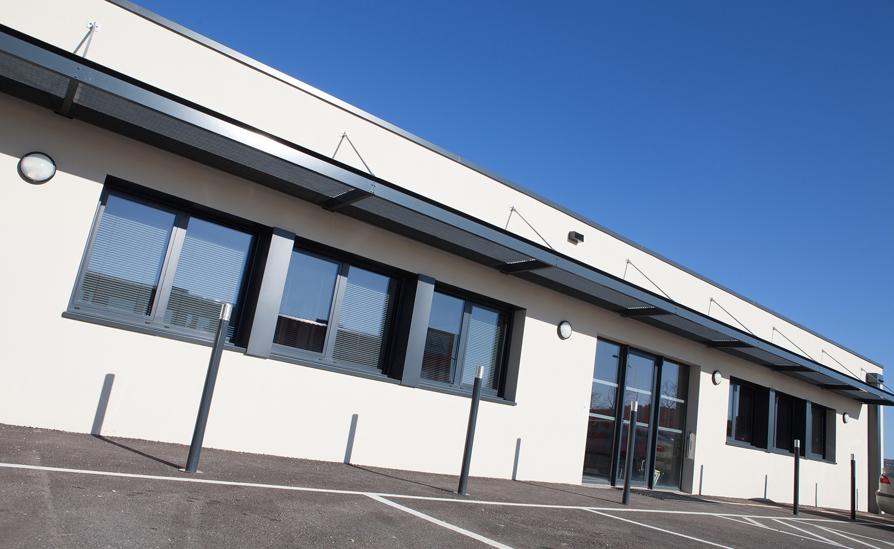 Bureaux et entrepôt SNP - Bâtiment industriel